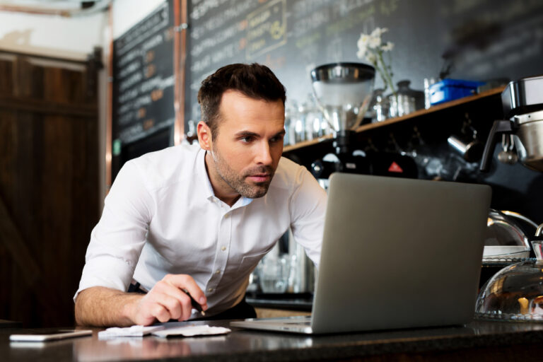 FAQs for Managing a Restaurant Like a Pro